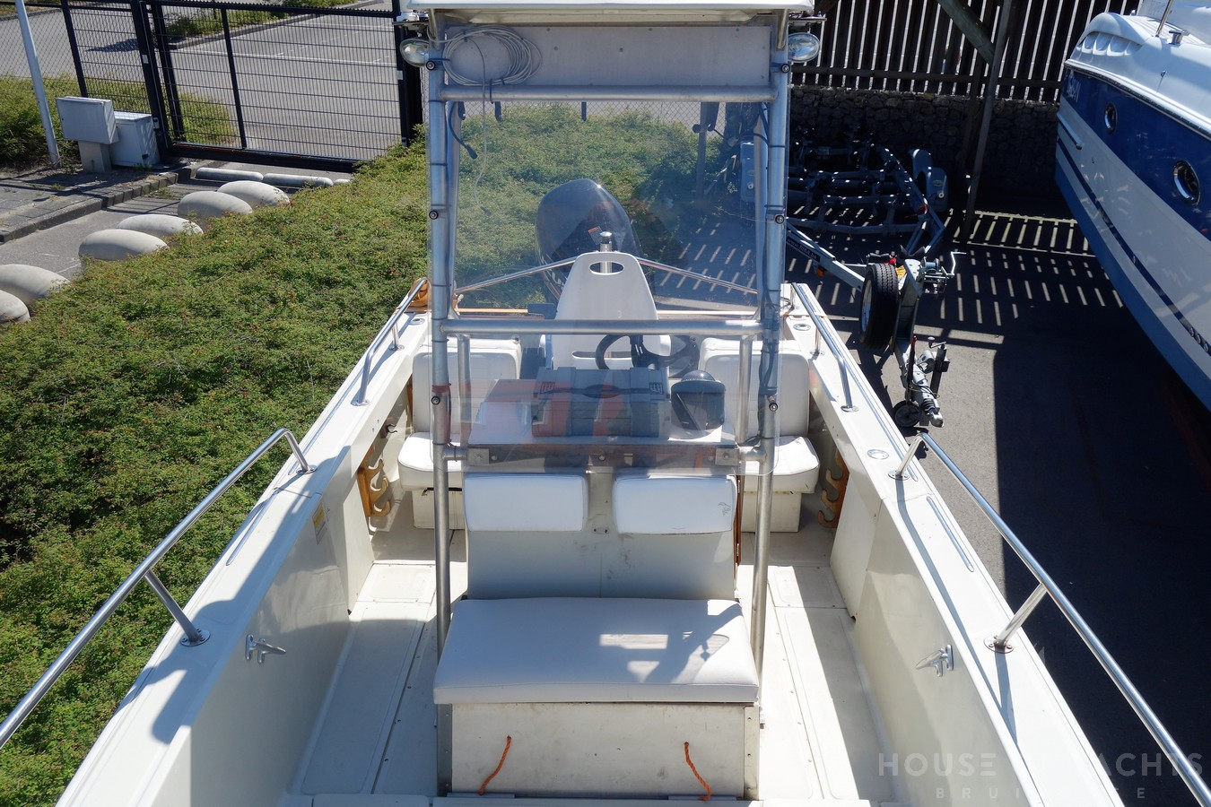 Boston Whaler Outrage 20 - House of Yachts